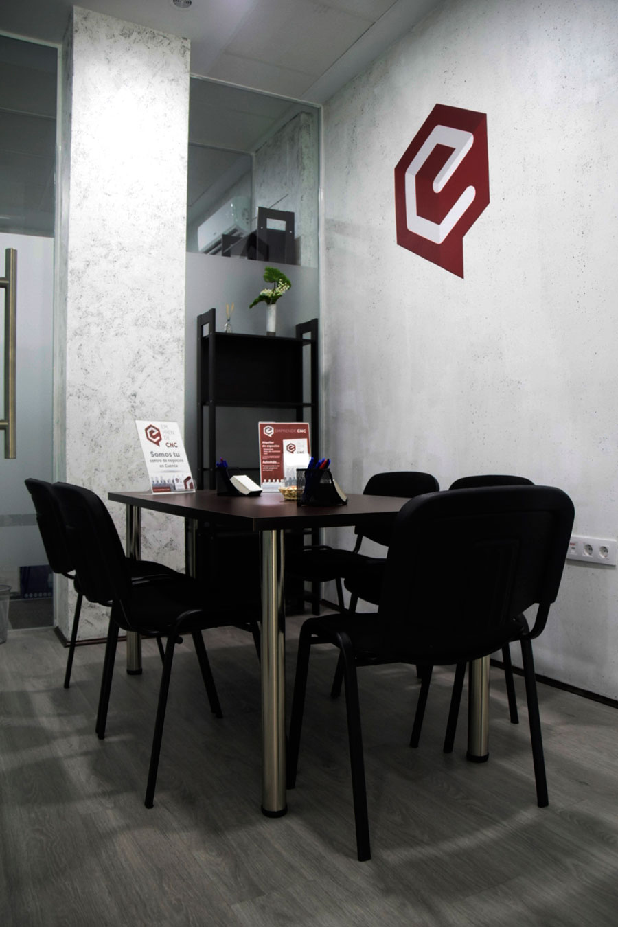 Sala I de reuniones emprende CNC